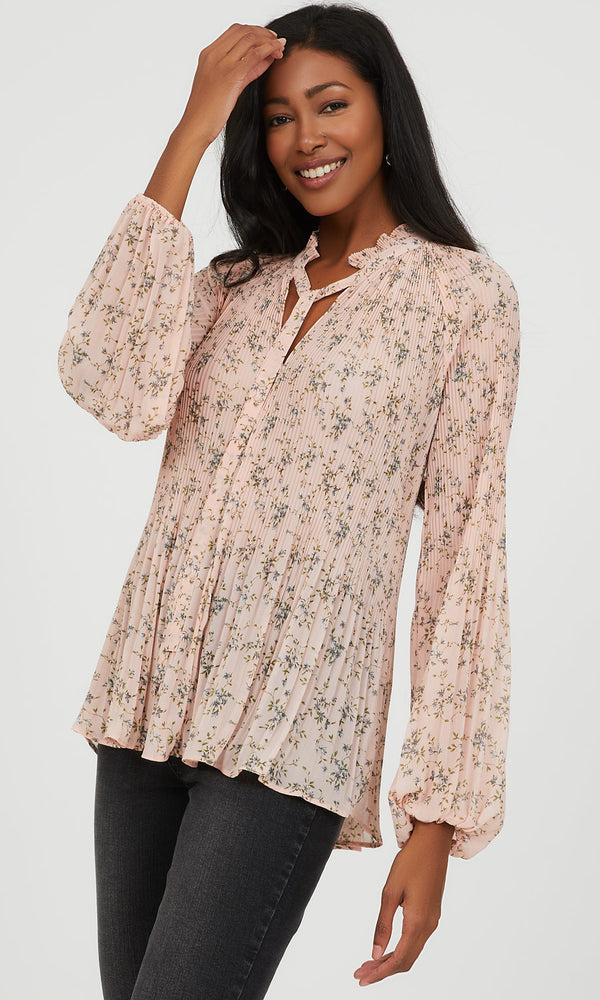 Pie Crust Neck Pleated Floral Blouse