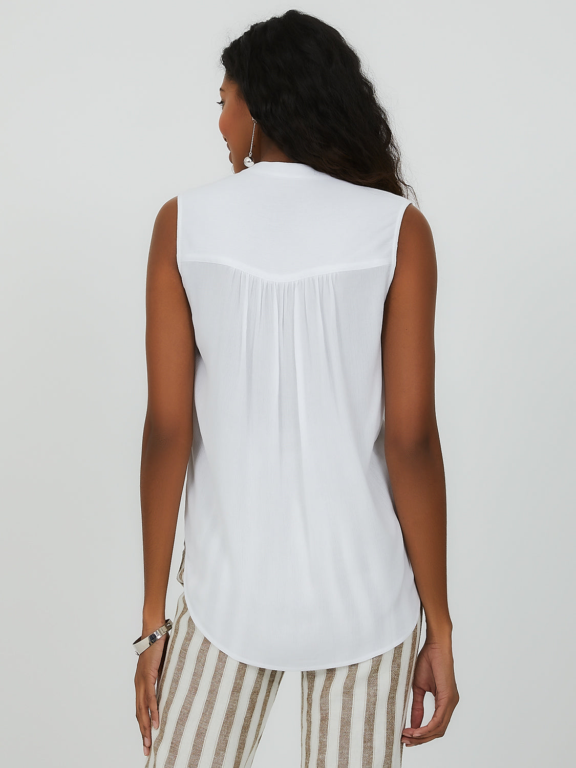 Sleeveless Neuro Collar Top