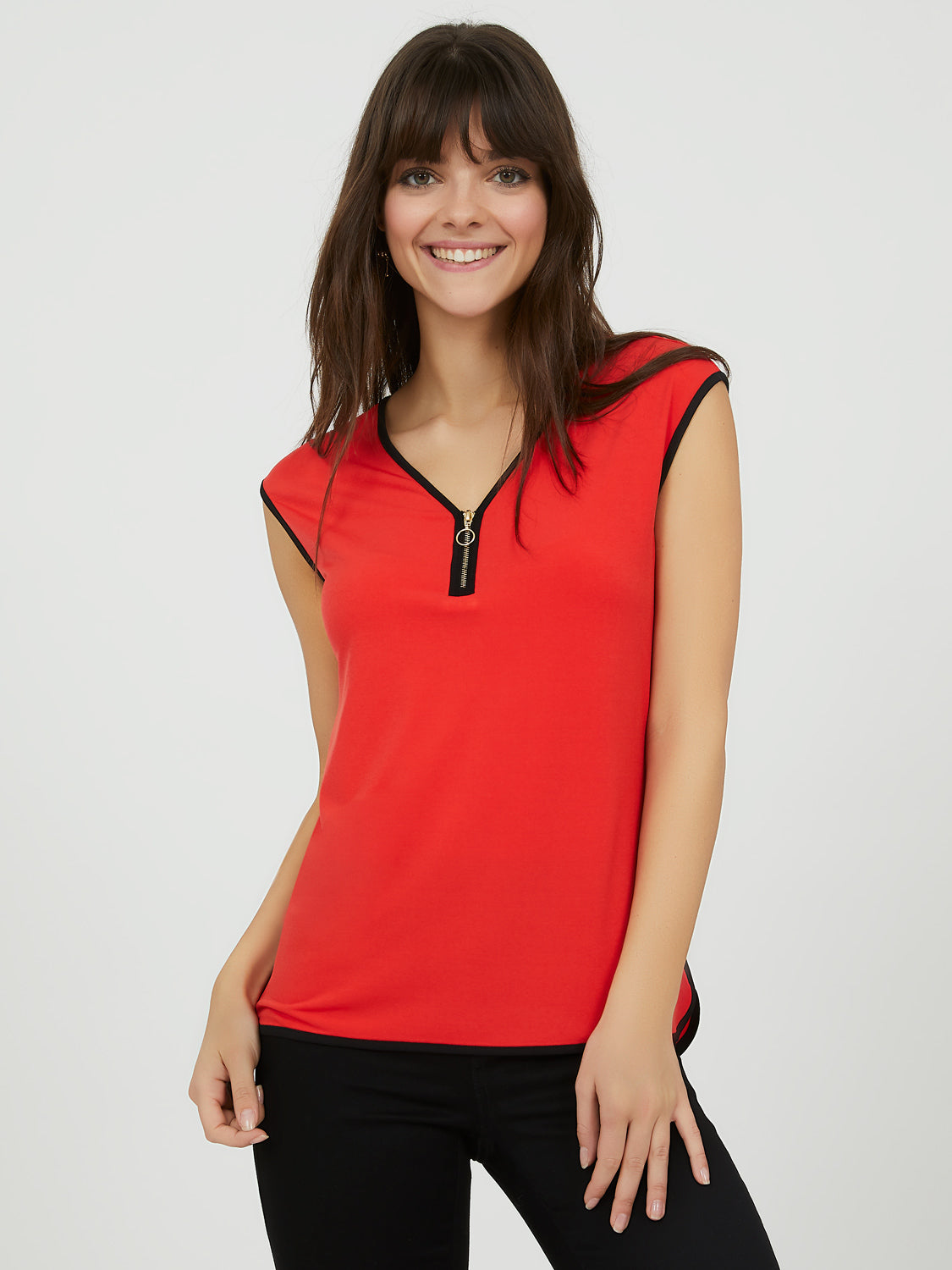 Sleeveless Contrast V-Neck Top