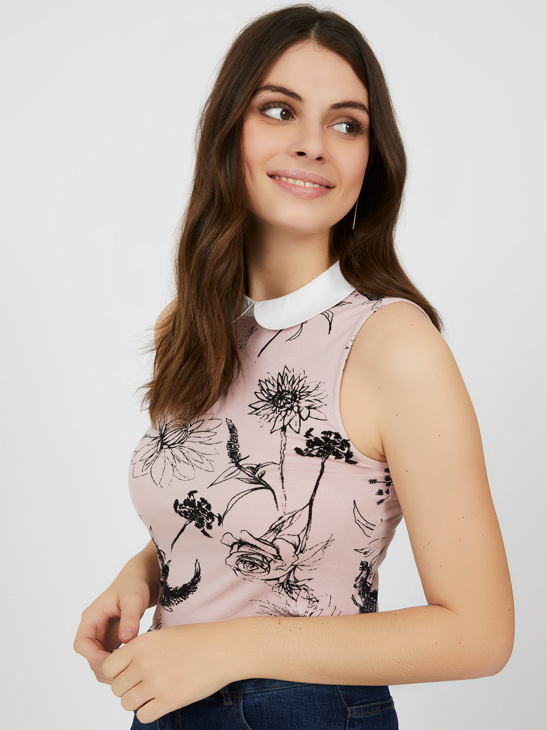 Floral-Sleeveless Peter Pan Collar Top
