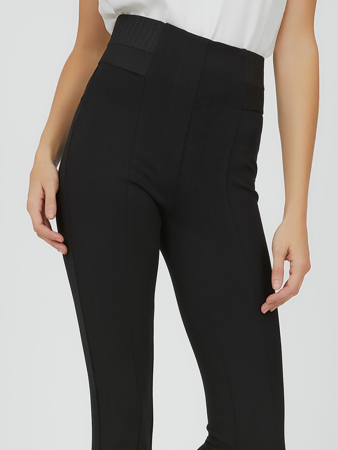Pull-On Skinny Knit Pant
