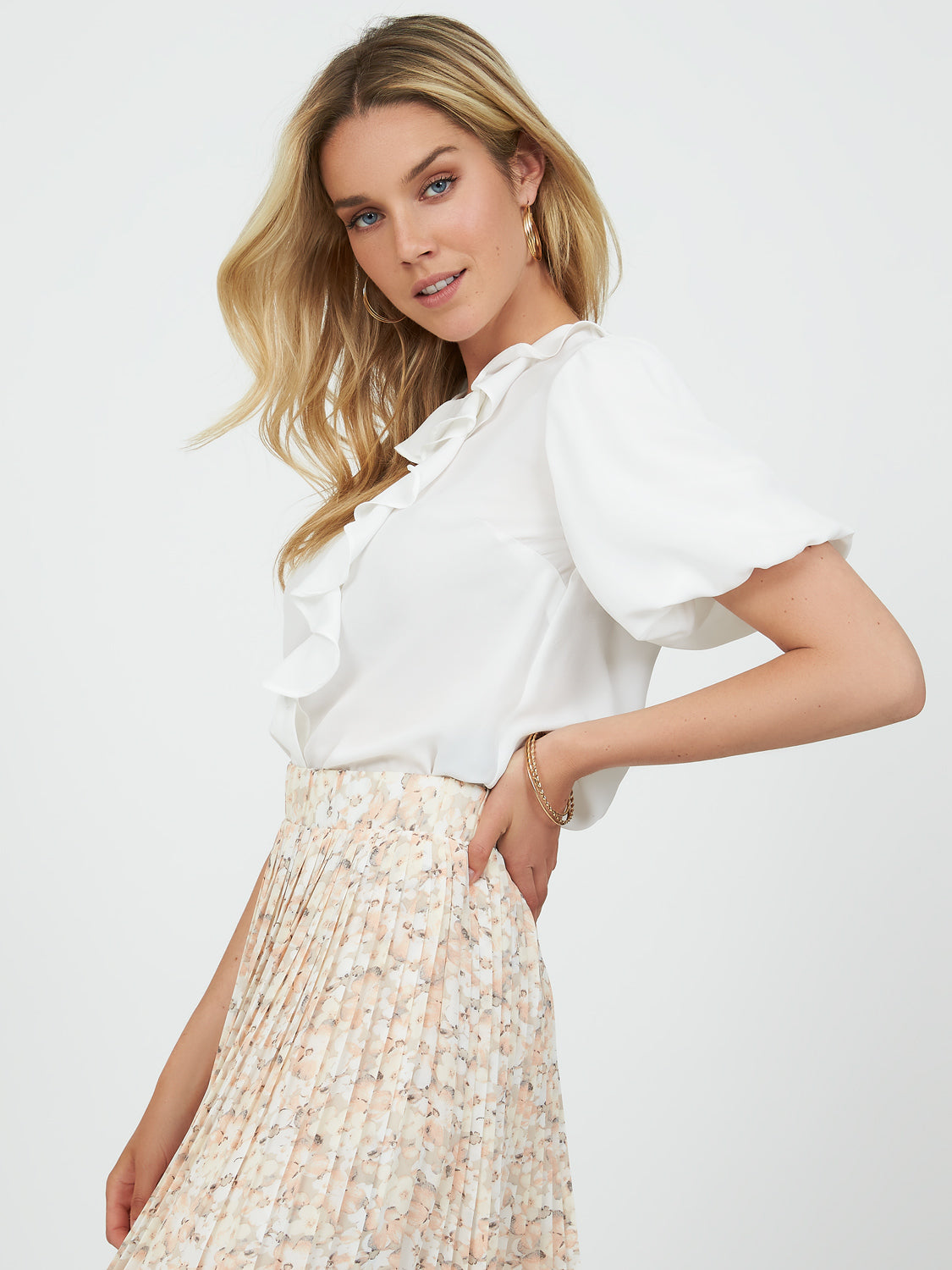 Short Bubble Sleeve Ruffled Collar Blouse