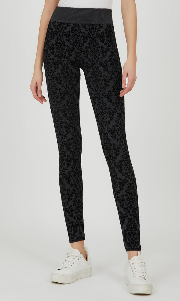 Embossed Baroque Fleece Lined Legging