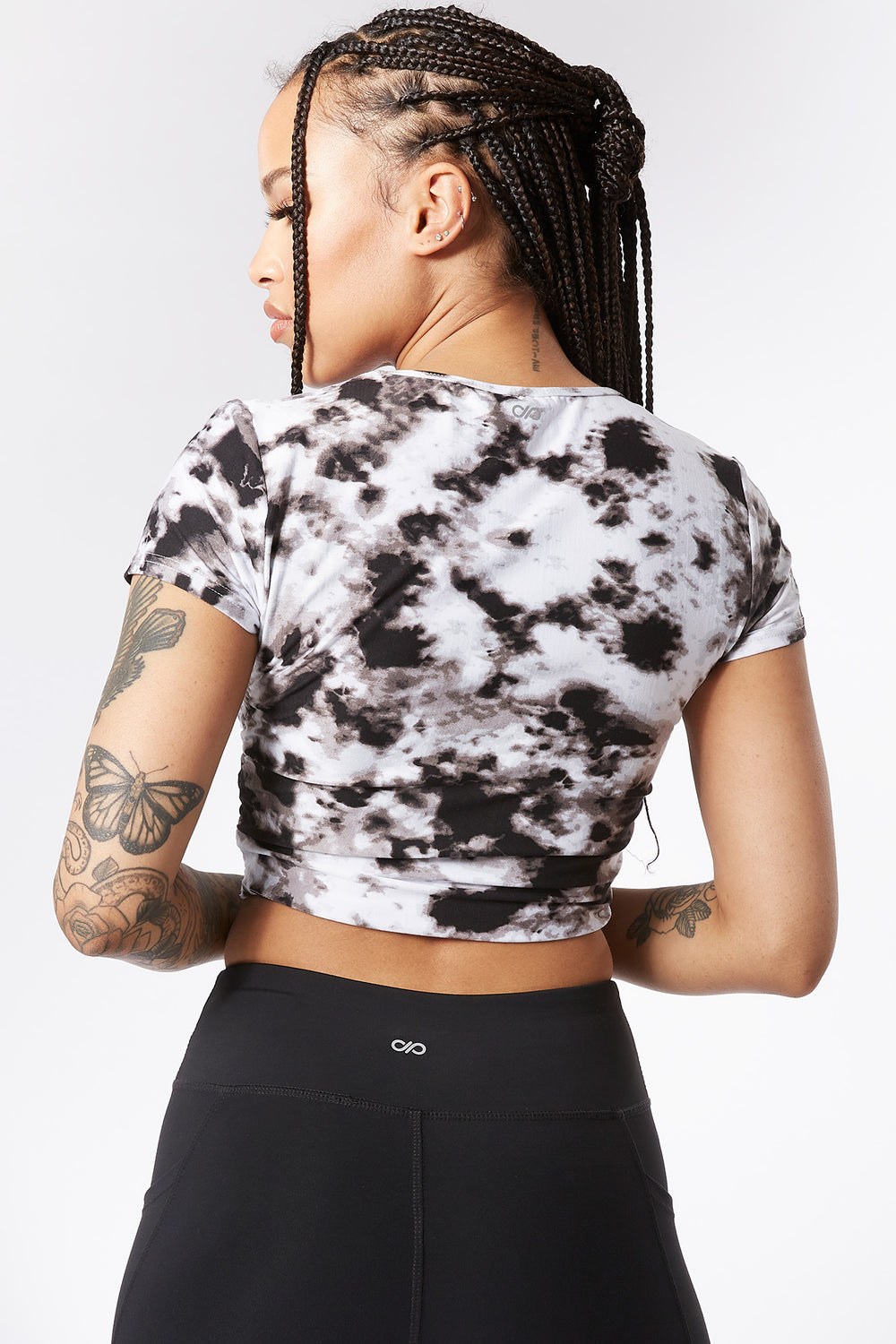 Soft Tie-Dye Cinched Side Active Cropped Top Black with White