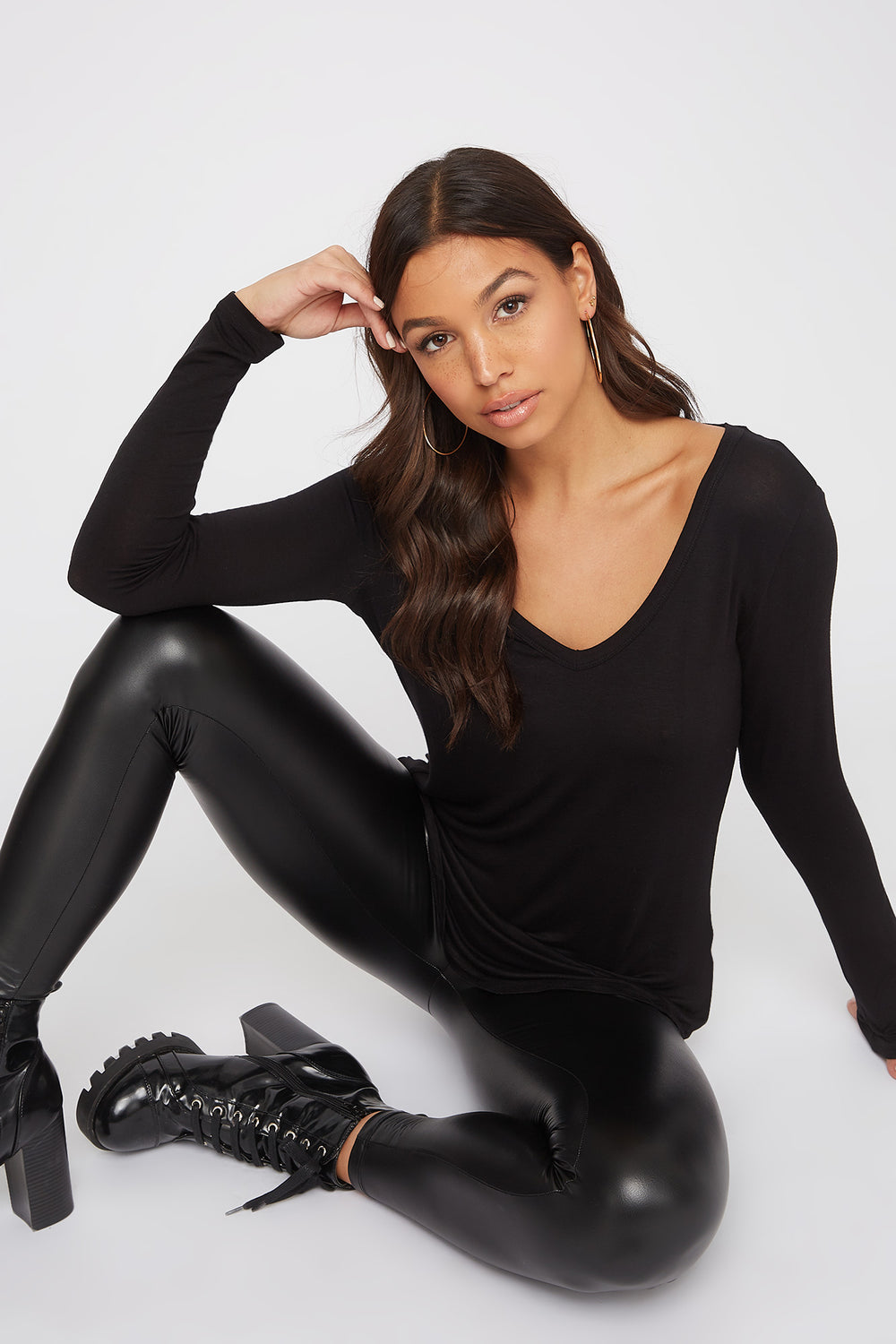 V-Neck Long Sleeve Black