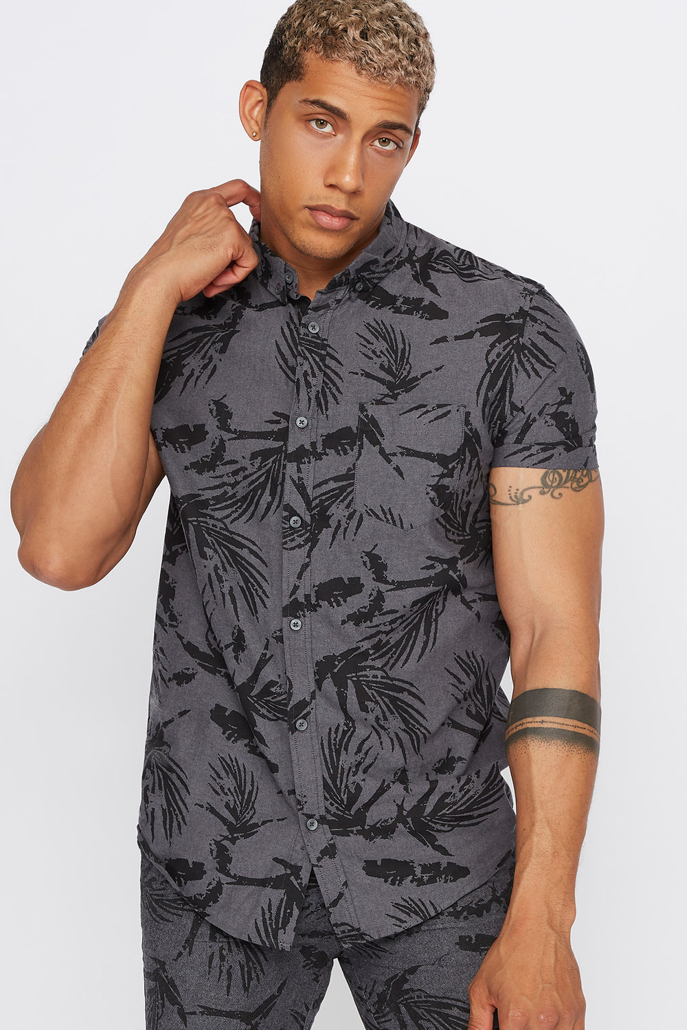 Printed Button-Up Short Sleeve Shirt Charcoal