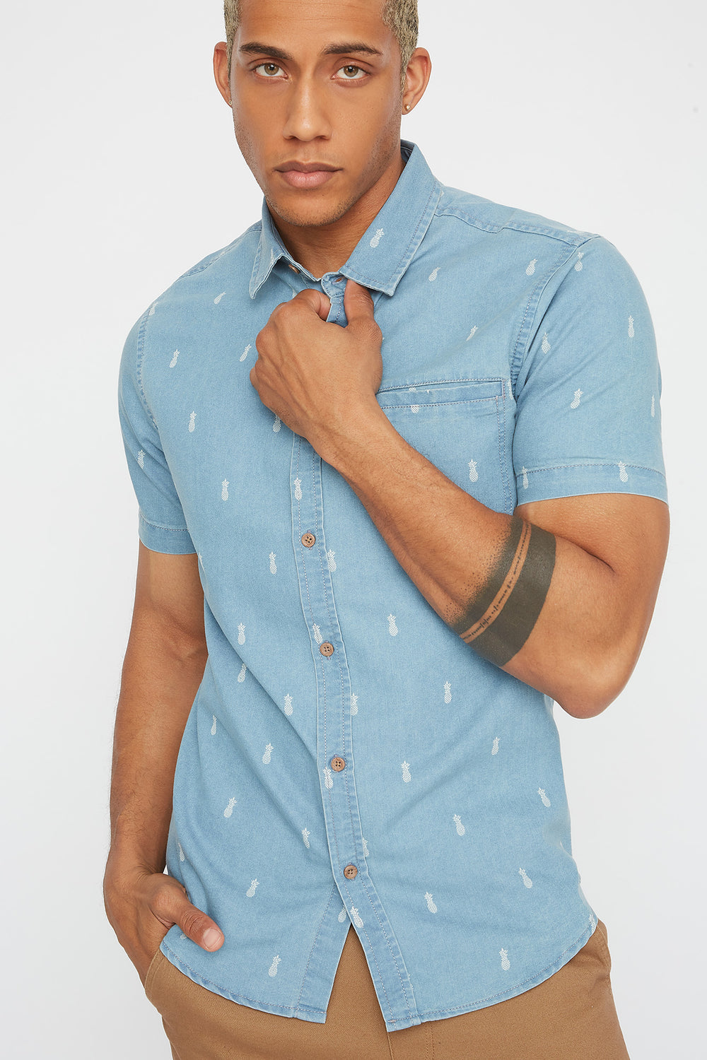 Palm Tree Printed Chambray Button-Up Short Sleeve Rinse Denim