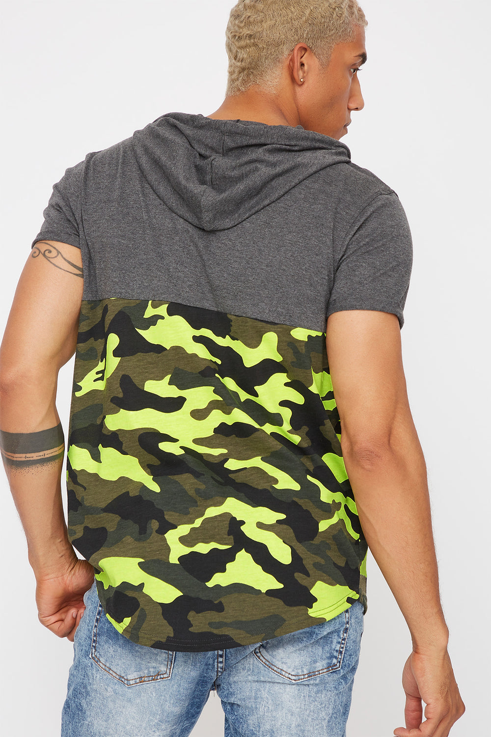 Hooded Graphic Contrast Camo T-Shirt Charcoal