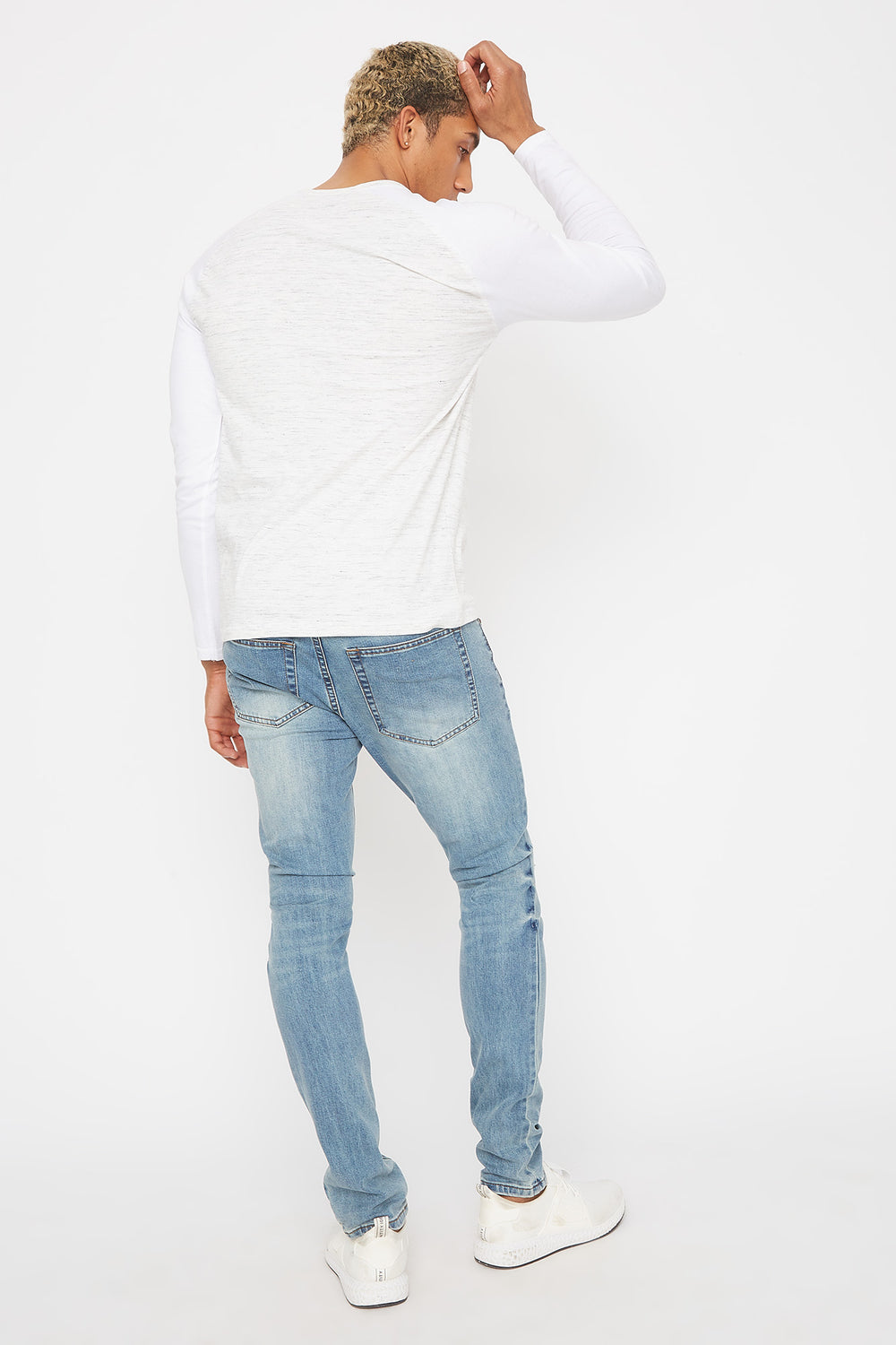 Distressed Skinniest Jean Light Blue