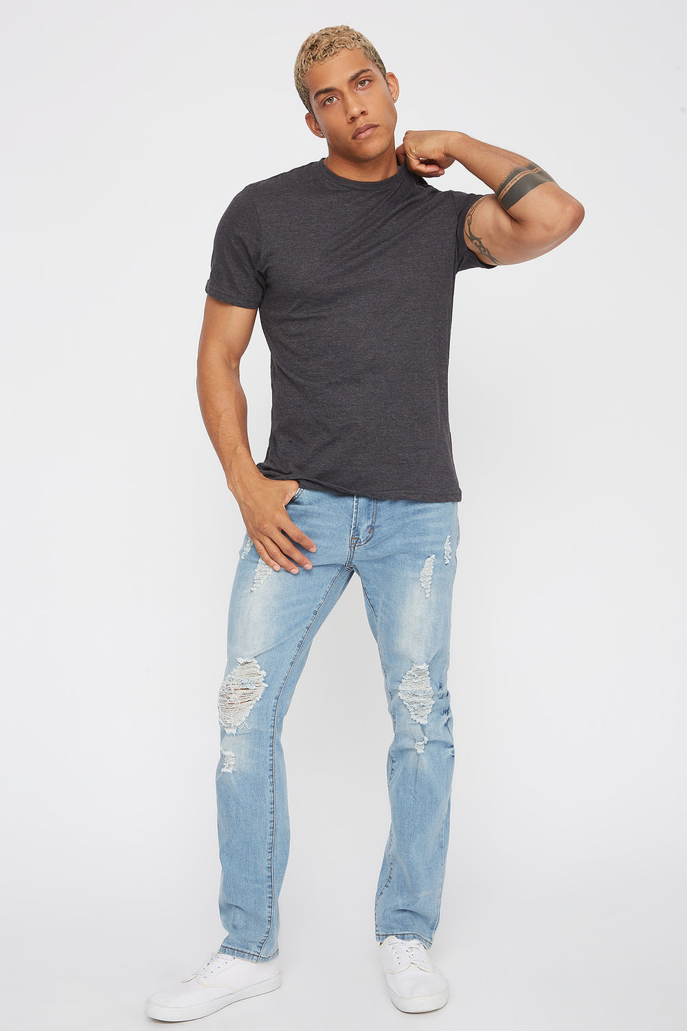 Light Wash Distressed Slim Jean Light Blue