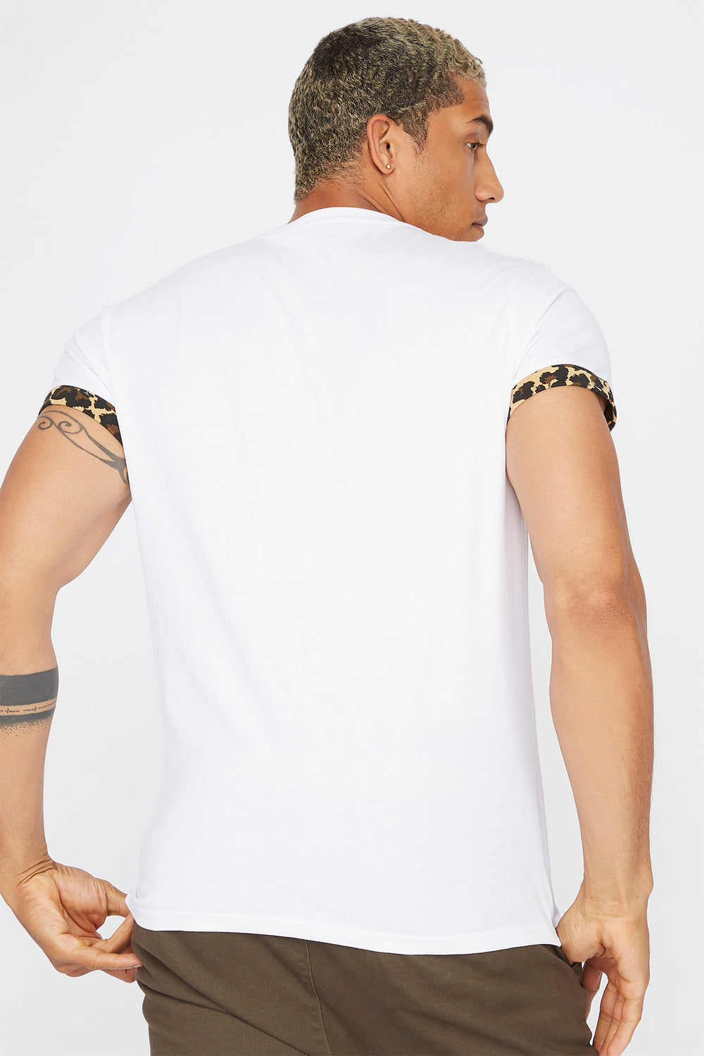 Contrast Animal Printed Pocket T-Shirt Off White