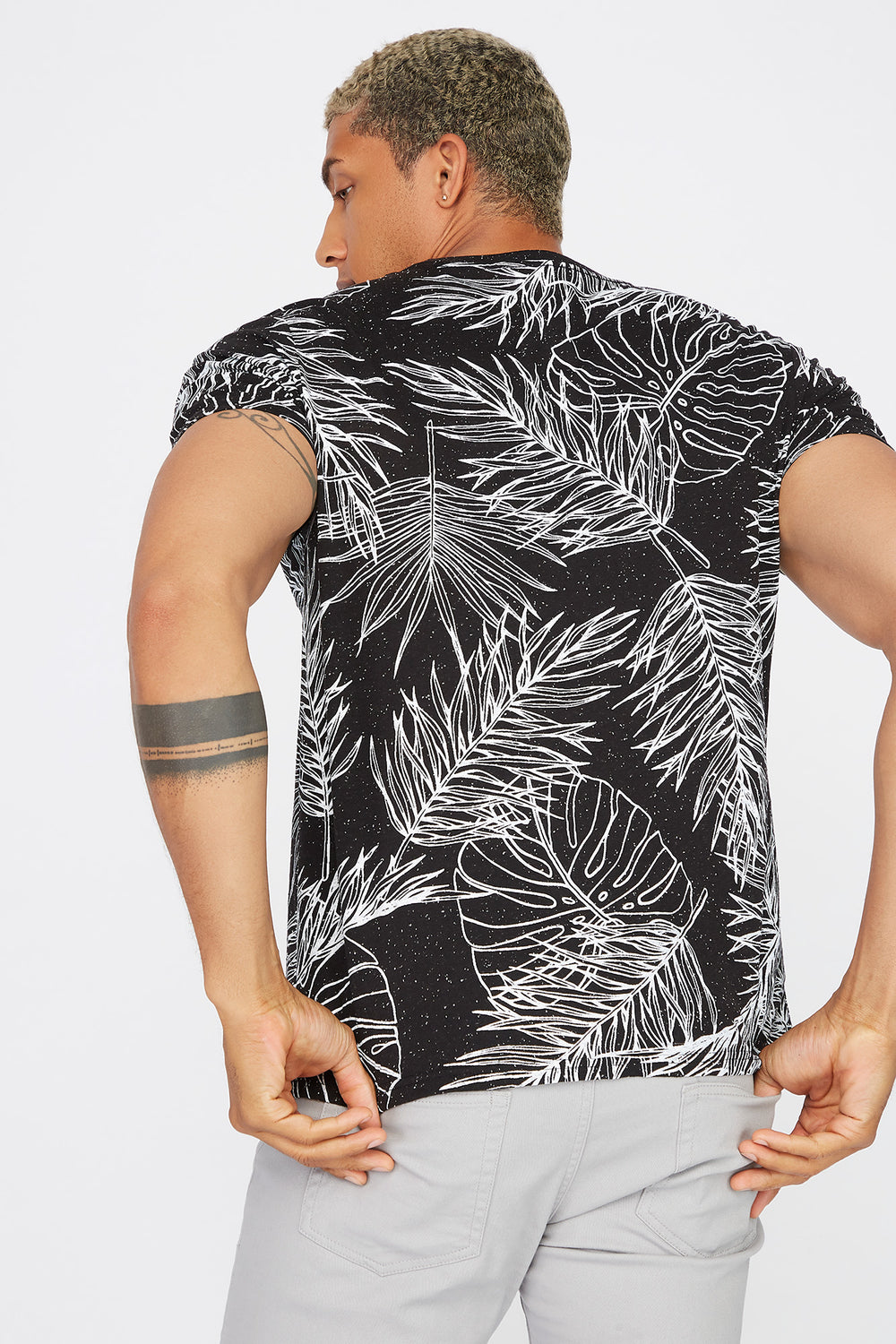 Speckled Palm Leaf Printed T-Shirt Black