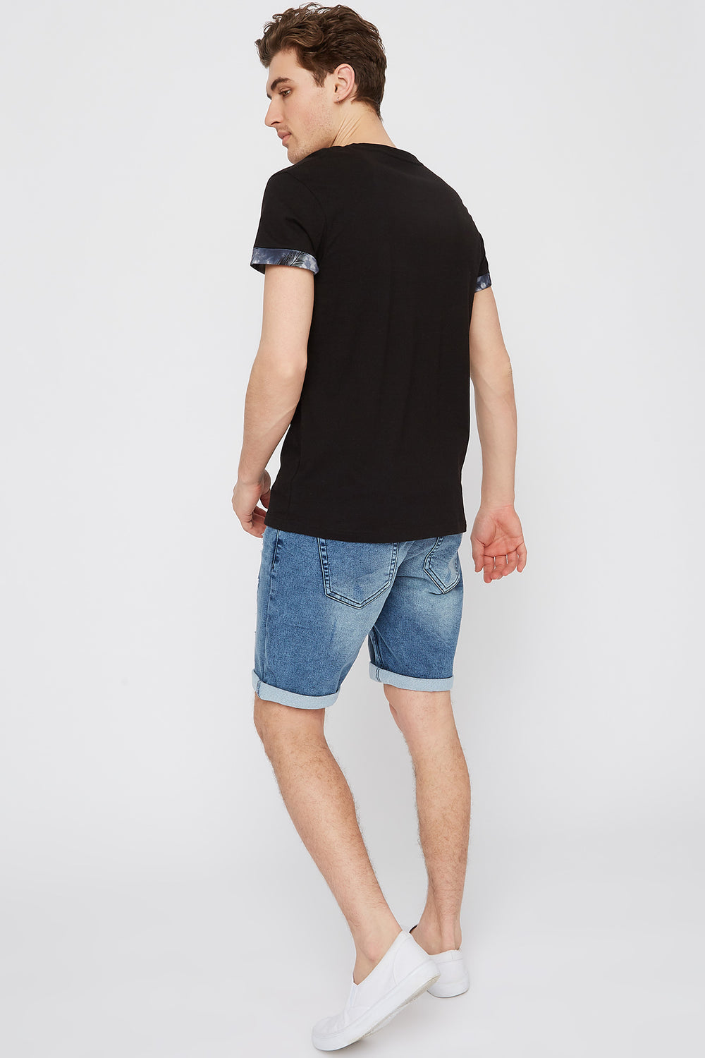 Contrast Pocket Cuffed Sleeve T-Shirt Black