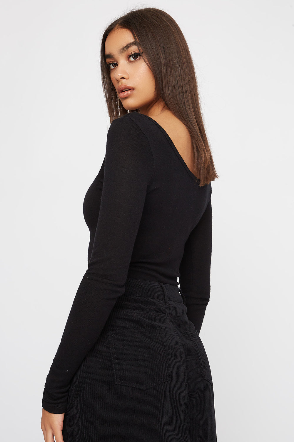 Scoop Neck Button Long Sleeve Black