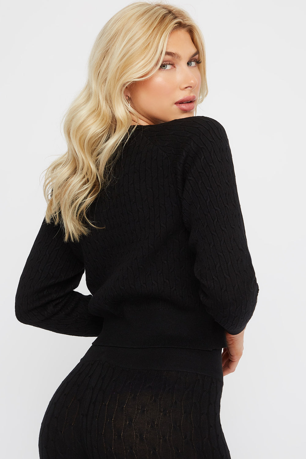 Cable Knit Crew Neck Long Sleeve Sweater Black