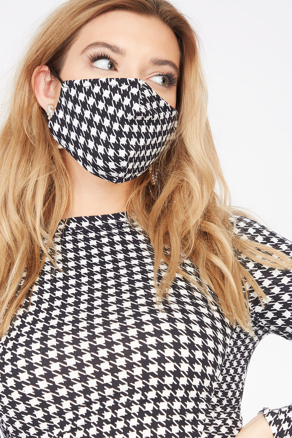 Soft 2-Piece Printed Ruched Front Long Sleeve Dress And Washable & Reusable Protective Face Mask Black with White