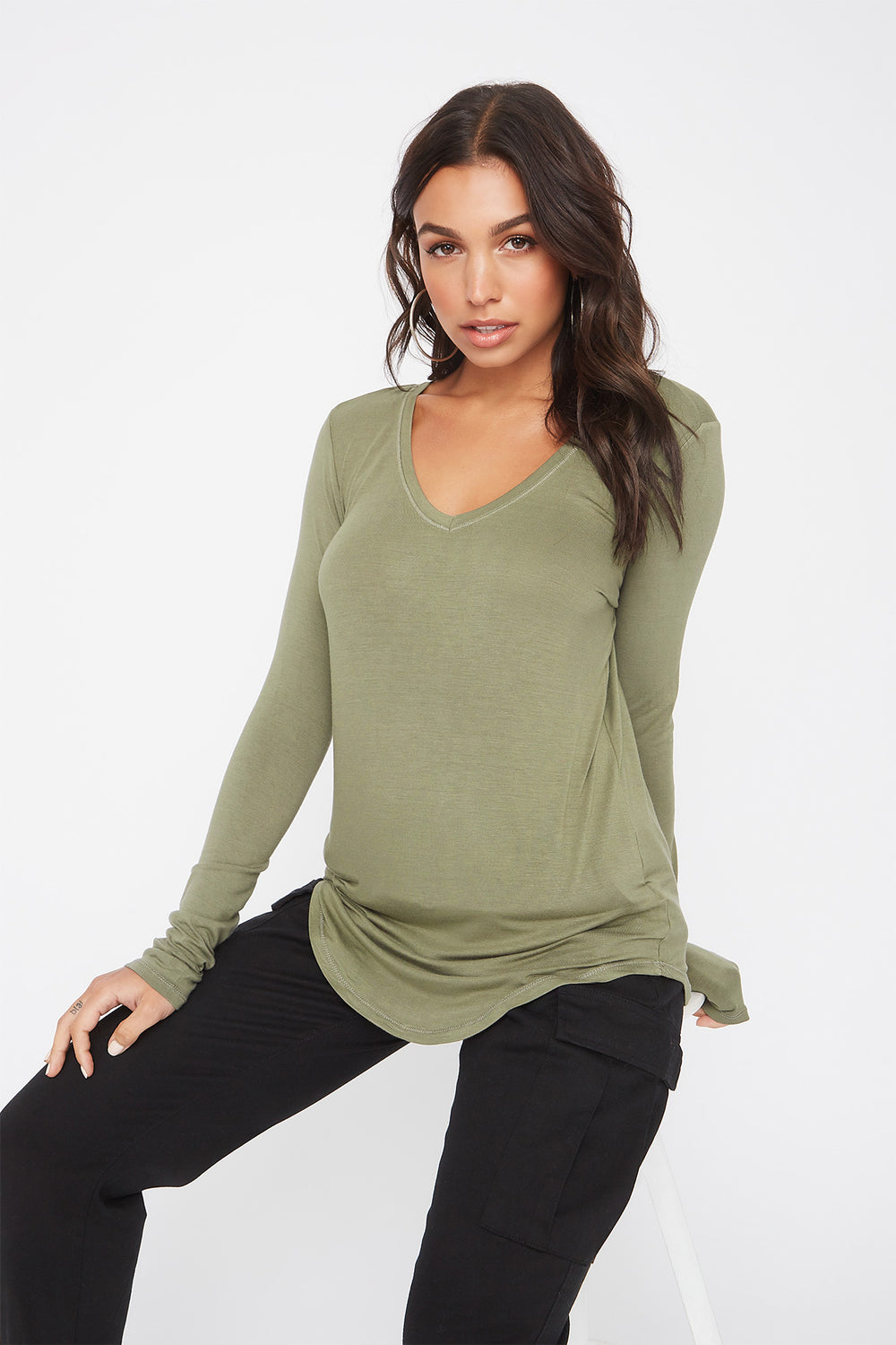 Curve Hem V-Neck Long Sleeve Dark Green
