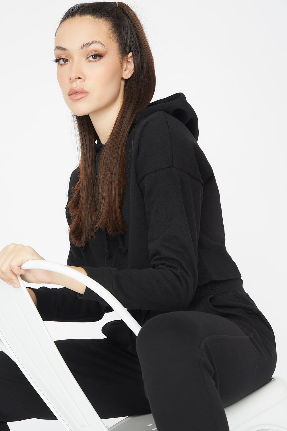 Cropped Popover Hoodie Black