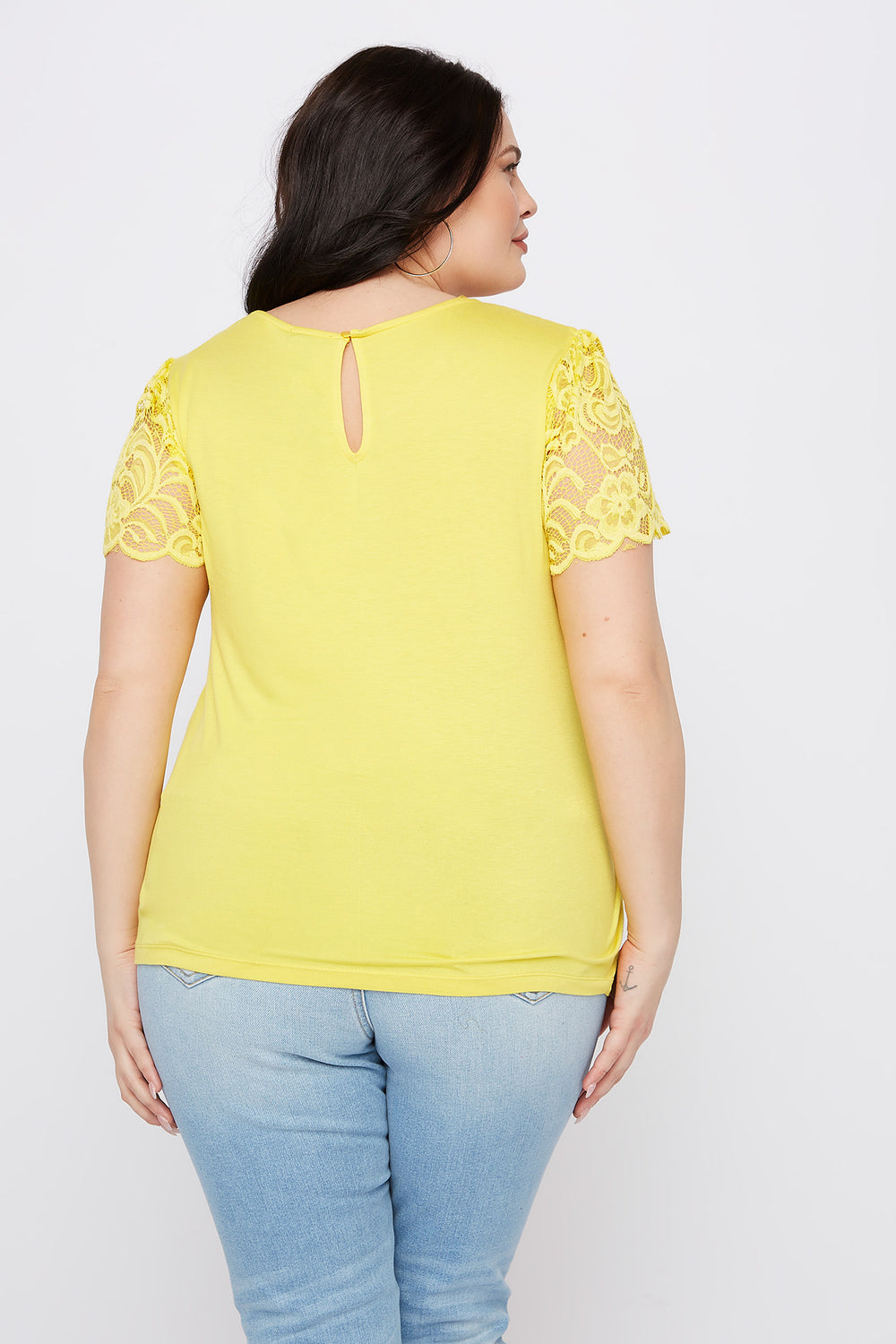 Plus Size Lace Sleeve Scallop T-Shirt Yellow