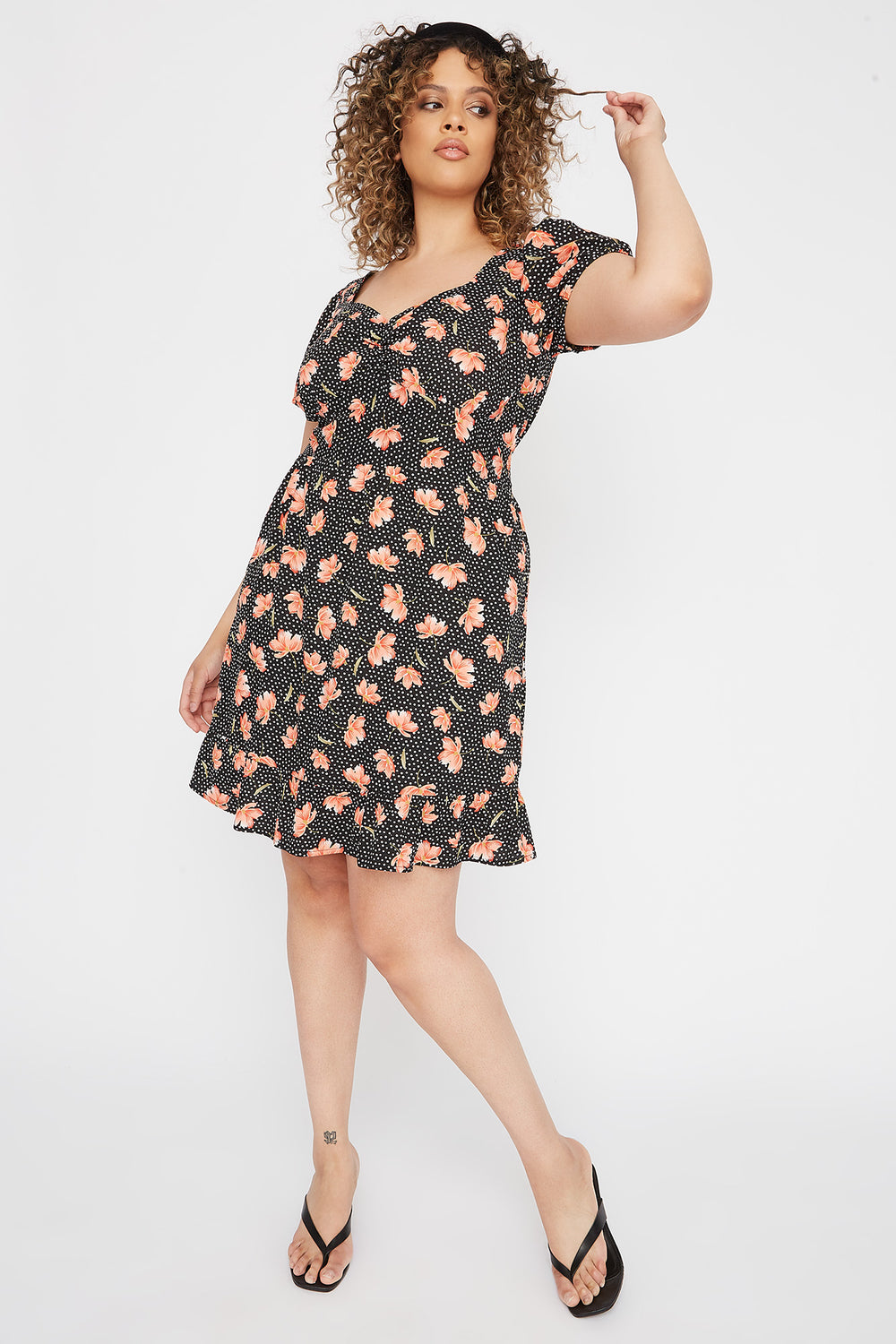 Plus Size Floral Ruffle Hem Mini Dress Black