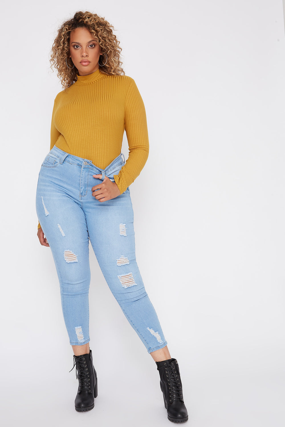 Plus Size Butt, I Love You High-Rise Distressed Push-Up Cropped Skinny Jean Light Denim Blue