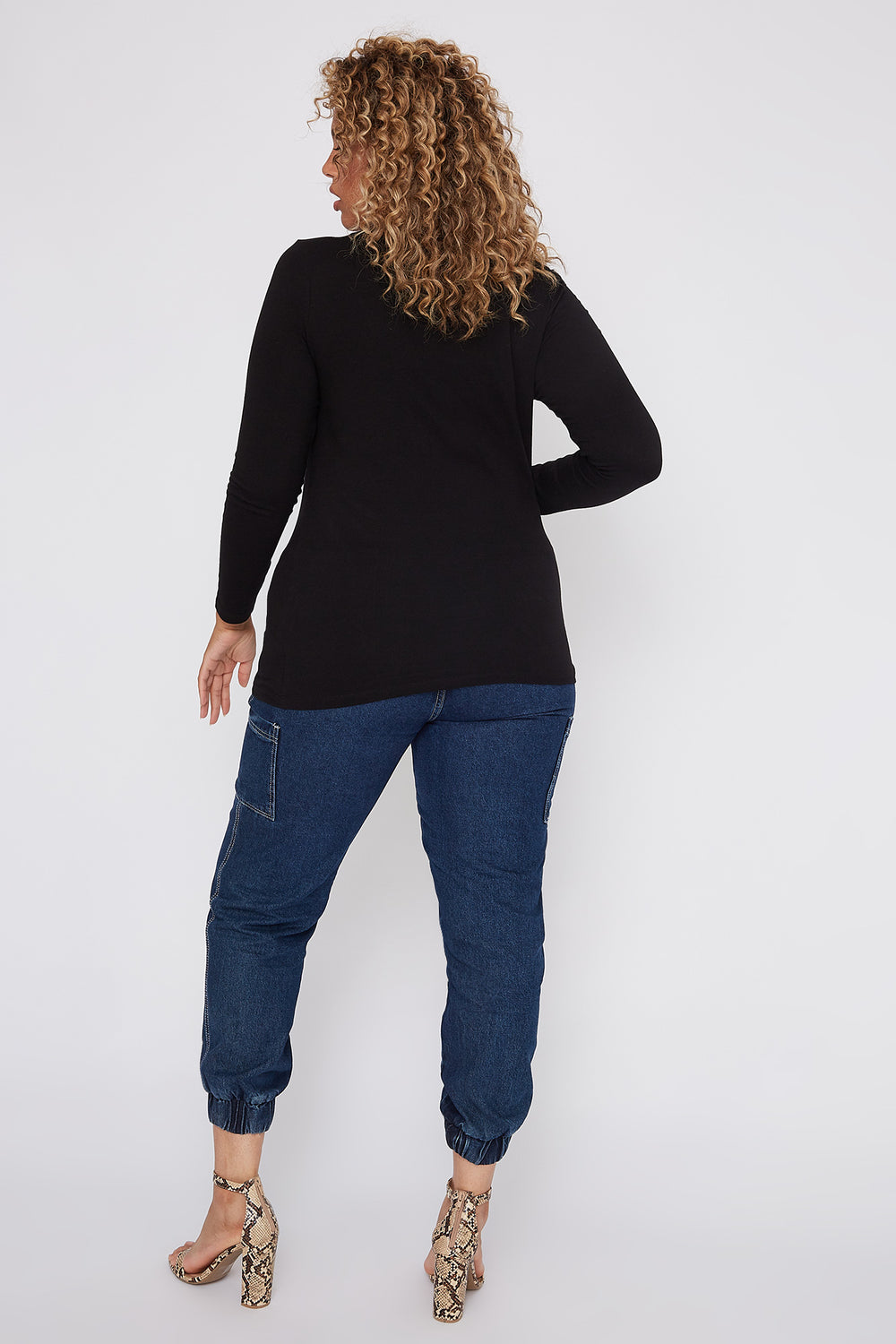 Plus Size Basic V-Neck Long Sleeve Black