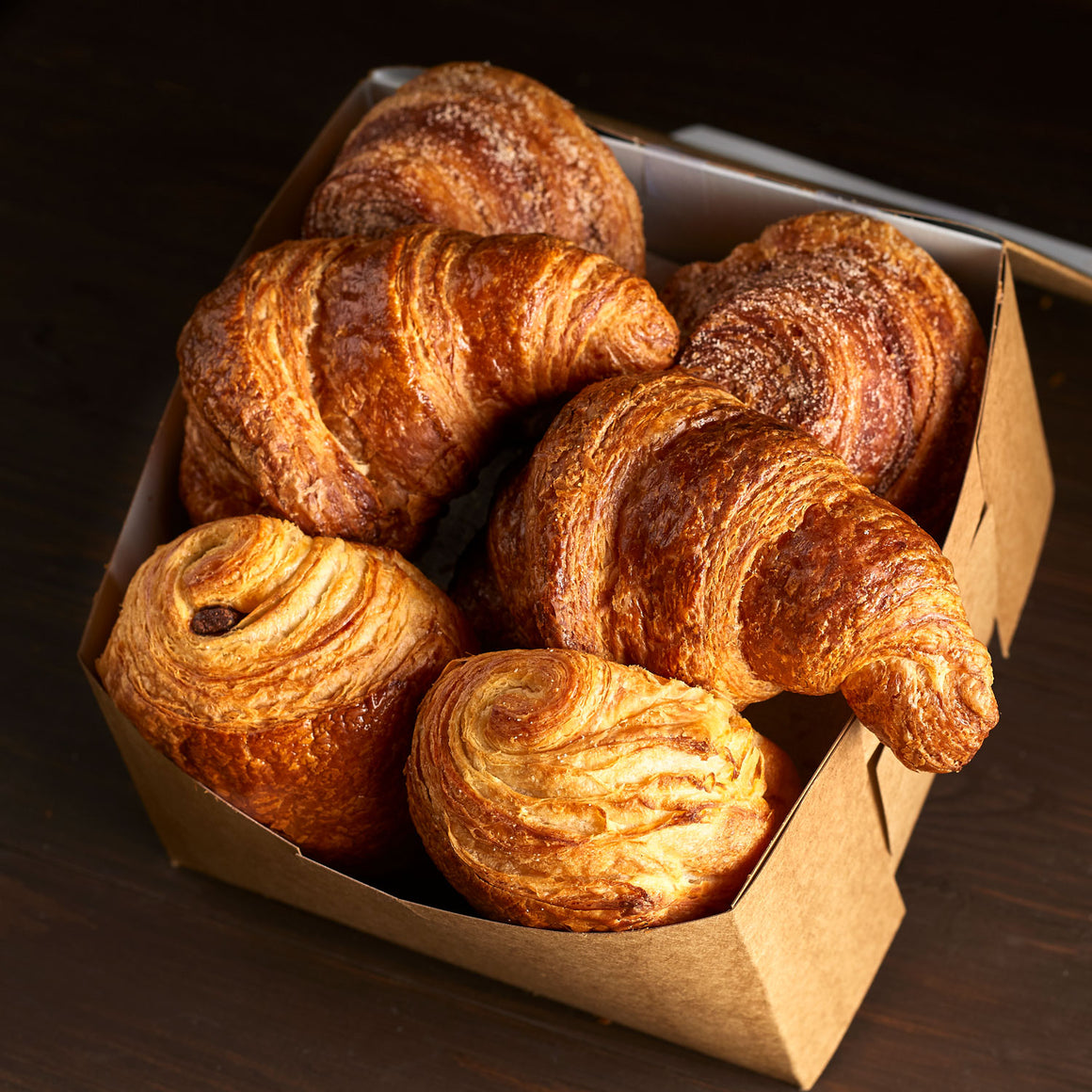 Box of Assorted Pastries - 6 Pieces