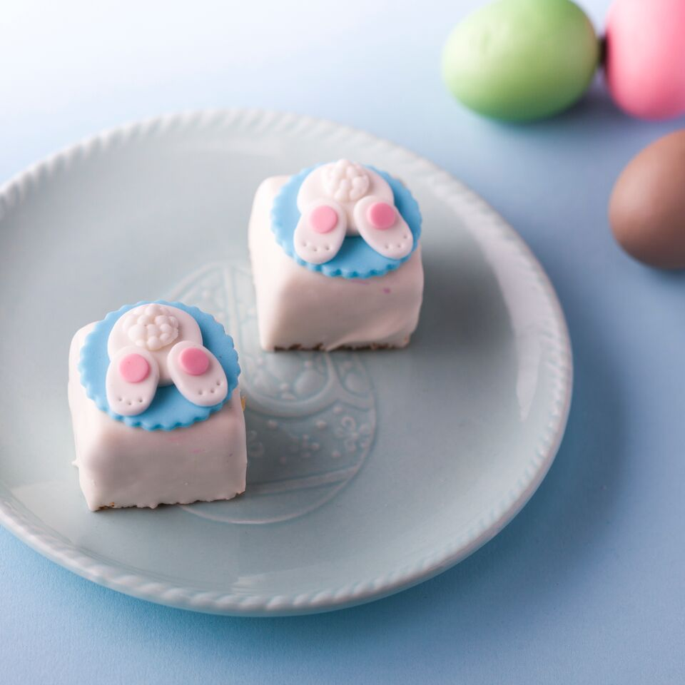 Easter Petit Four
