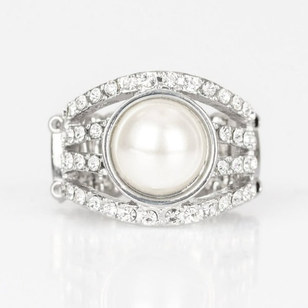 Paparazzi A Big Break Faux Pearl Stretch Ring