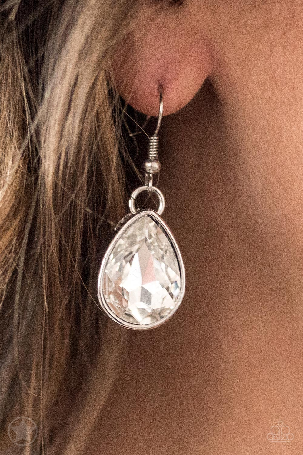 """Show-Stopping Shimmer"" White Teardrop Silver Necklace & Earrings Set"