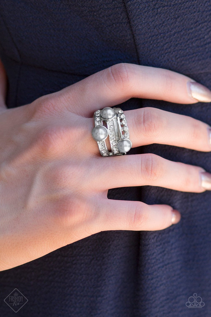 """Hollywood Glamour"" Silver Stretch Ring"