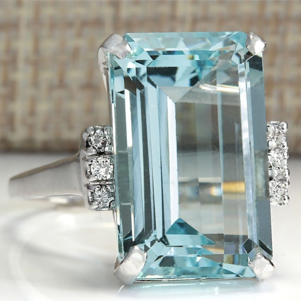Blue Faux Aquamarine Silver Tone 6.35CT Fashion Ring Size 8