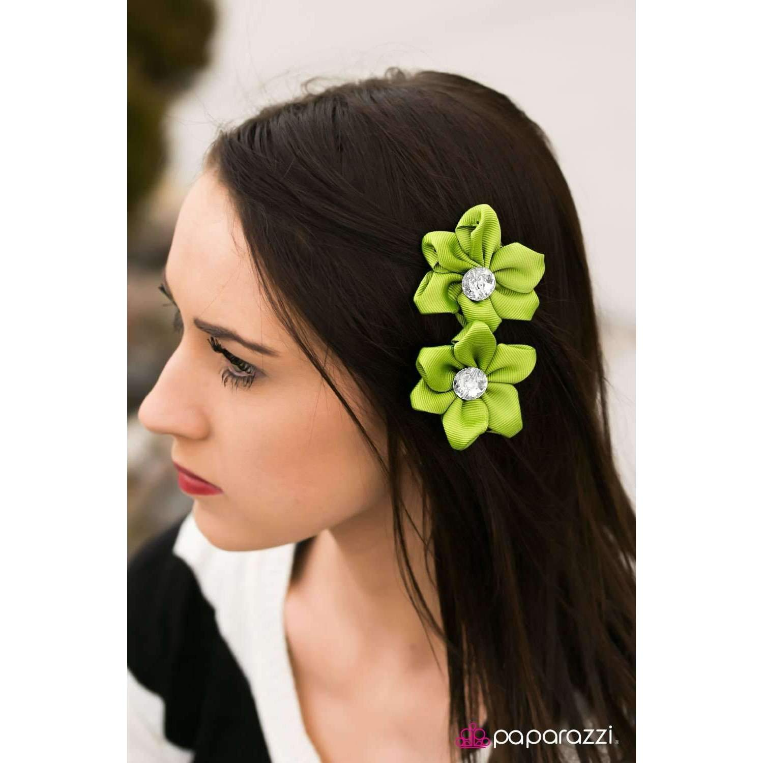 "Paparazzi ""A Tale of Two Daisies "" Green Blossom Rhinestone Hair Clip"