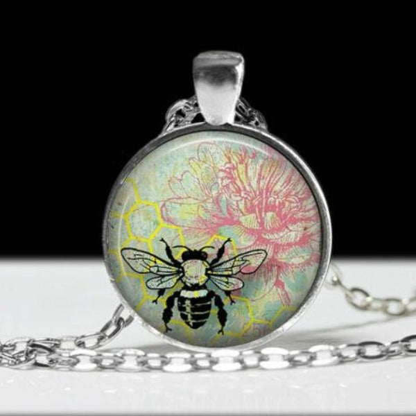 Bumble Bee Round Cabochon Glass Silver Tone Necklace
