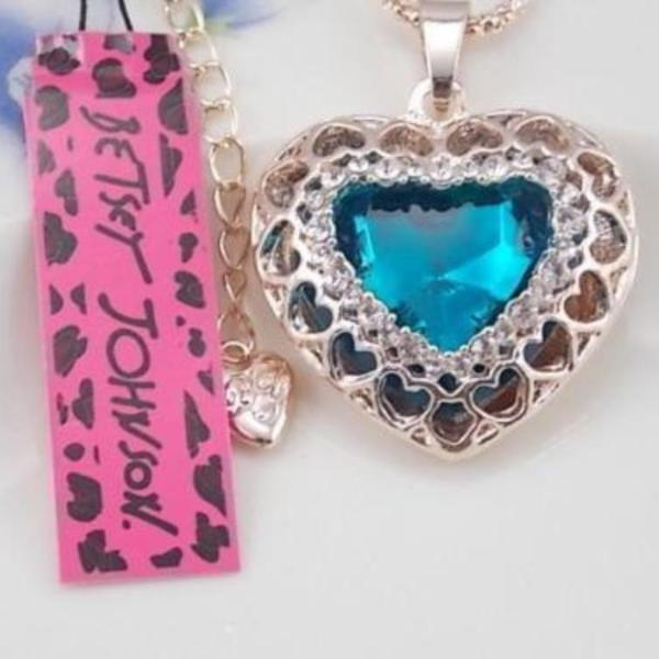 Betsey Johnson Heart Blue Crystal Ornate Gold Pendant Necklace
