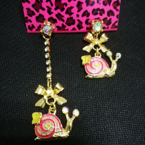 Betsey Johnson Pink Snails Gold Rhinestone Butterfly Mismatch Earrings
