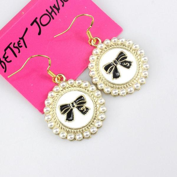 Betsey Johnson Round White Enamel Bow & Faux Pearl Gold Dangle Earrings