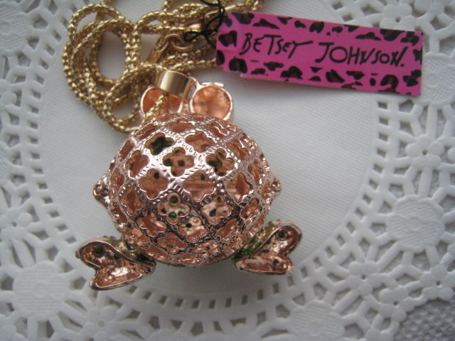 Betsey Johnson Big Eyed Frog Moving Legs Gold Necklace