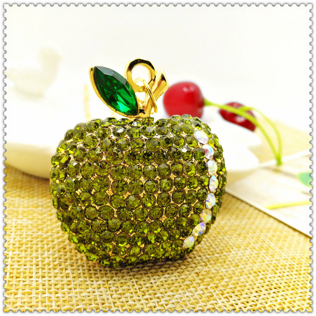 Betsey Johnson Green Rhinestone Apple Gold Chain Pendant Necklace