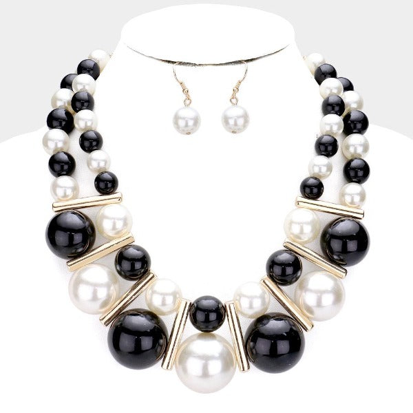 Chunky Pearl (faux) Black & Cream Statement Necklace