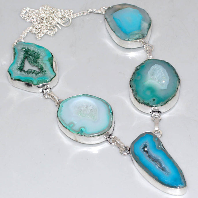 BLUE HANDMADE AGATE GEODE DRUZY SILVER PLATED NECKLACE 18