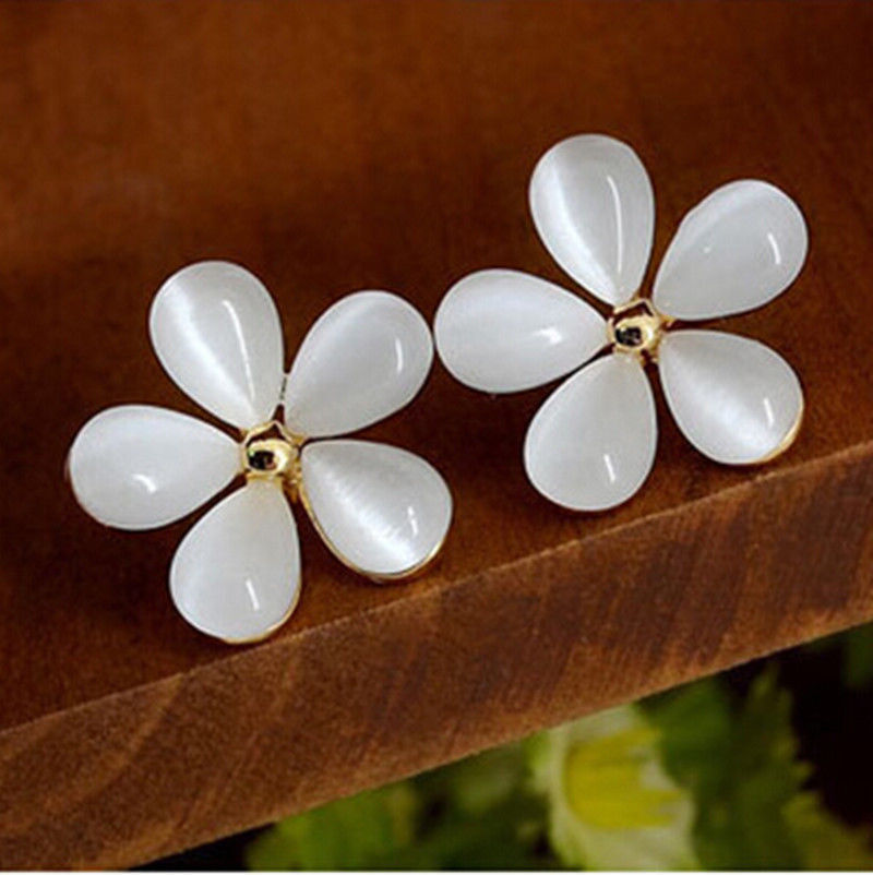 Dainty Daisy With Gold Center Flower Earrings
