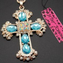 BETSEY JOHNSON BLUE ORNATE CROSS GOLD PENDANT NECKLACE