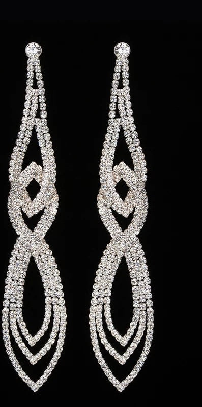 Elegant dangle crystal earrings
