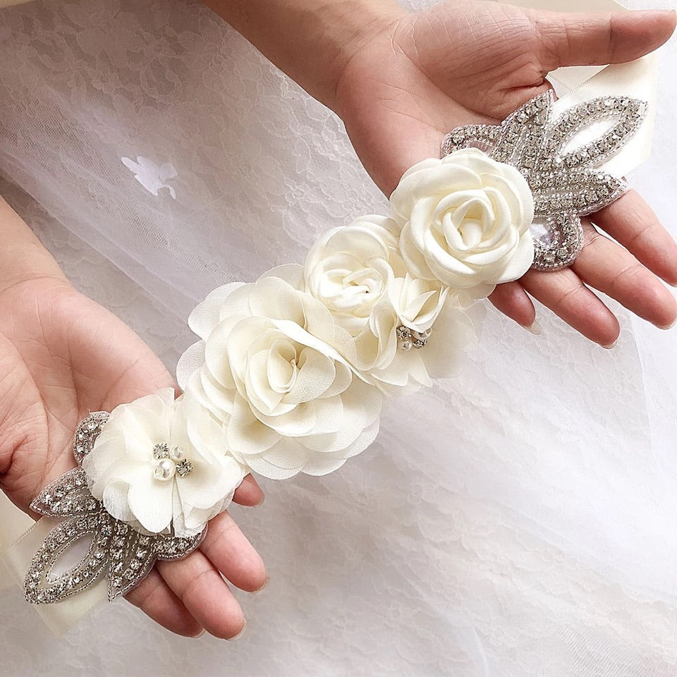 The chic flower bridal belt