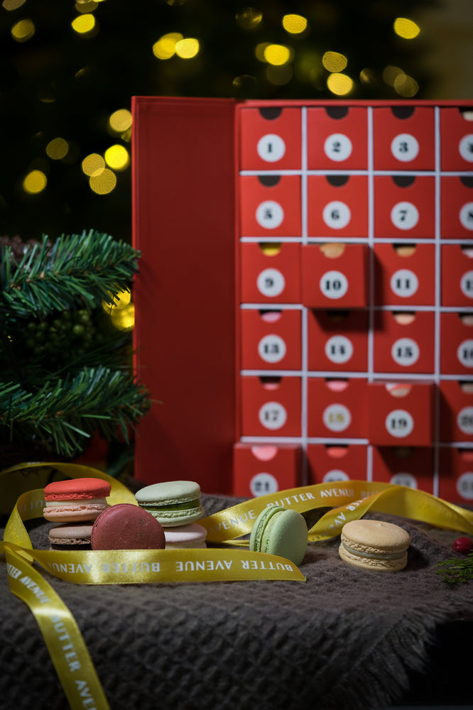 Holiday Macaron gift box - Limited Edition
