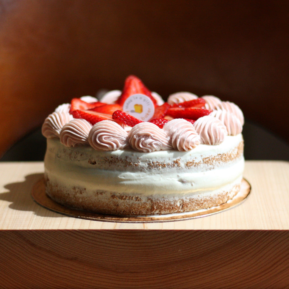 Load image into Gallery viewer, Baker's Strawberry Shortcake
