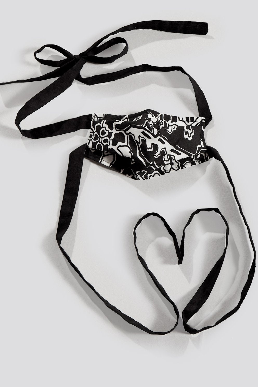 Alice Tie Mask in Black Ornamental Cotton