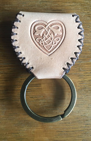 Guitar Pick Sporran Key Chain Natural Celtic Heart