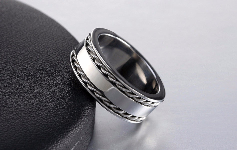 twisted silver band ring